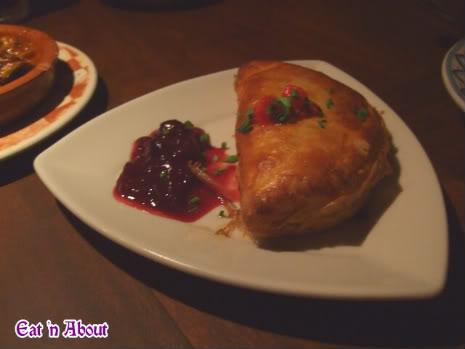 Cafe Sevilla: Seafood Empanada