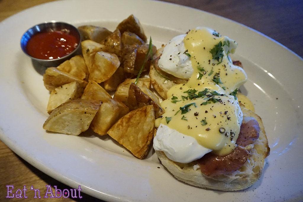 prosciutto-eggs-benedict